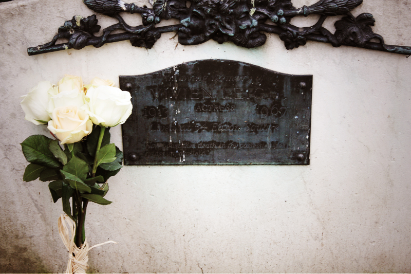 Roses for Vivien Leigh, 54 Eaton Square London