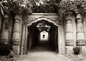 Egyptian Avenue, Highgate Cemetery