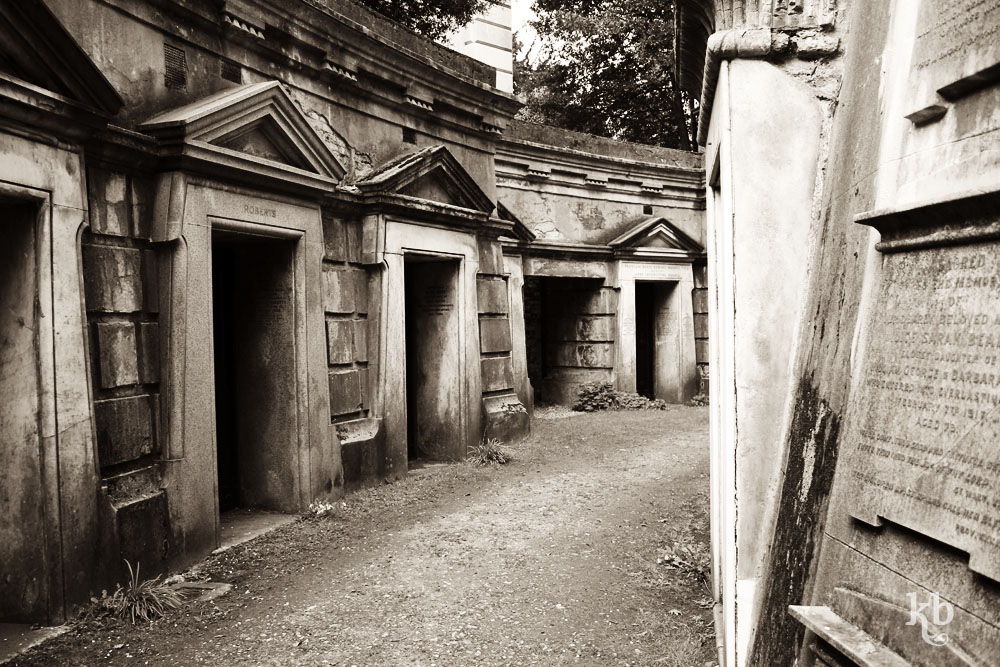 Circle of Lebanon, Highgate Cemetery
