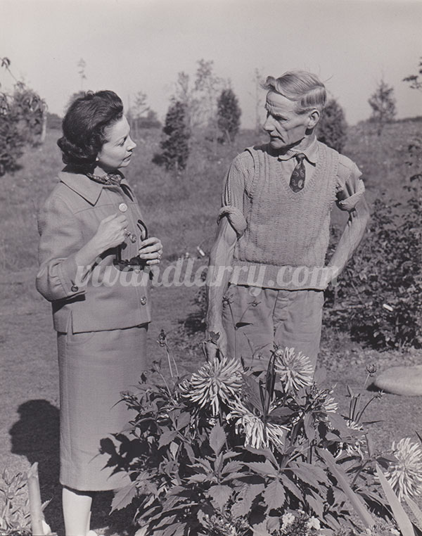 Vivien Leigh and her gardner at Tickerage Mill