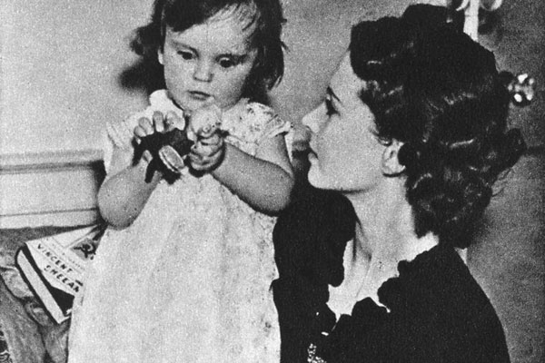 Vivien Leigh and daughter Suzanne