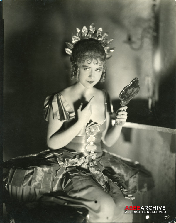 Dorothy Gish as Nell Gwyn