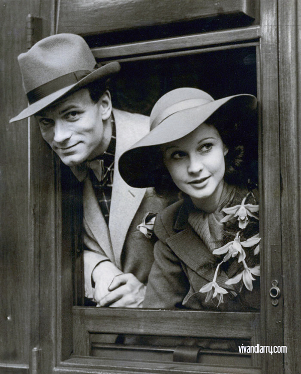 Vivien Leigh and Laurence Olivier at Liverpool Street Station, London, May 1937